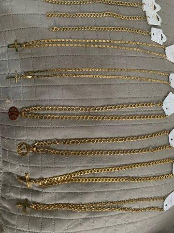Cordões em aço banhado a ouro - Foto 4