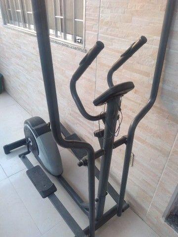 Aparelho elíptico dream fitness