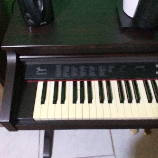 Piano eletronico