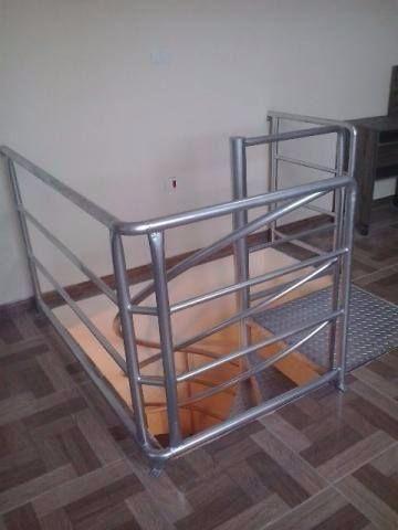 Escada caracol ( com corremäo e instalada) - Foto 3
