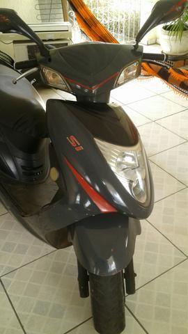 Vendo moto automatica 150cc telefone 992825760