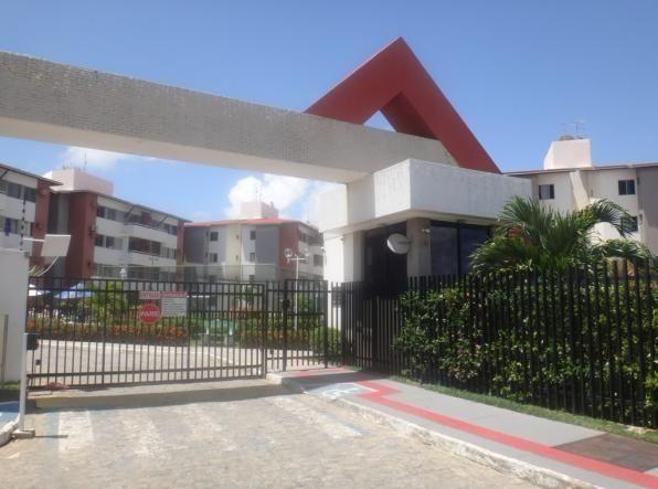 Apartamento no Condomínio Barra Club II, na Barra dos Coqueiros