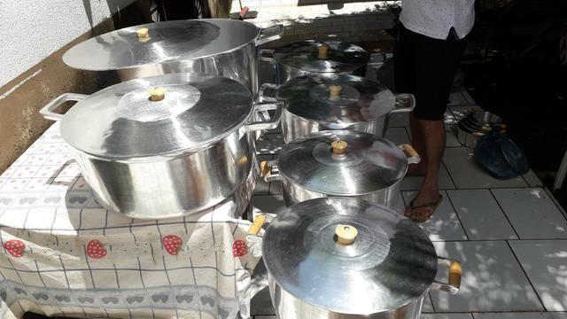 Panela de alumínio batido
