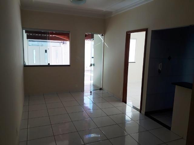 (R$290.000) Casa Seminova c/ Garagem p/ 02 Carros e Área Gourmet - Bairro Morada do Vale - Foto 6
