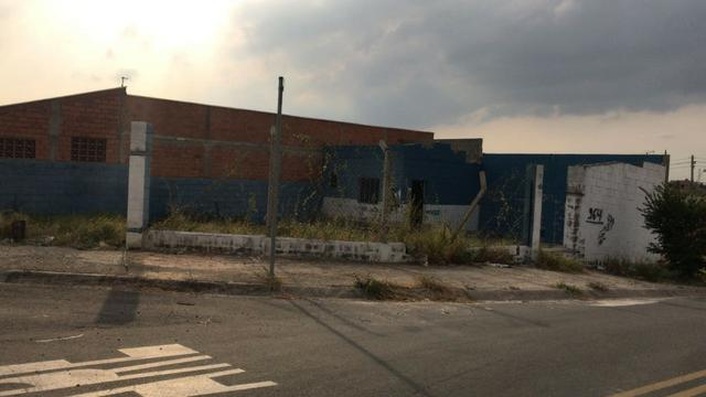 Vende-se Lote (Terreno) com construção no Residencial Santa Joana em Sumaré/SP