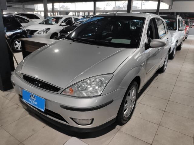 Ford Focus Hatch Ghia 2.0 16V Duratec Gasolina Manual