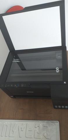 Vendo duas mesas pra loja ou escritório, duas cadeira giratória, uma impressora ,armario - Foto 5