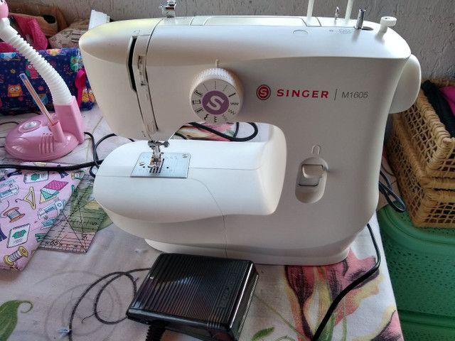 Máquina de costura Singer M1605 - Foto 2