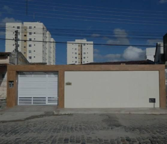 Vendo casa em Alagoinhas! Entrada de 10mil e restante parcelado