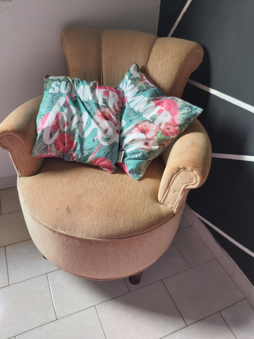 Poltrona para decoração ou amamentação  - Foto 4