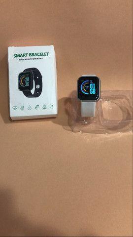 Smart Watch com Bluetooth Y68 - Foto 4