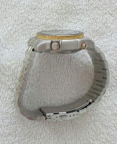 Relógio modelo Aqualand marca Atlantis com pulseira de aço inoxidável - Foto 6