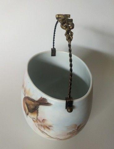 Cachepot em Porcelana com alça em Metal Amarelo - Foto 2