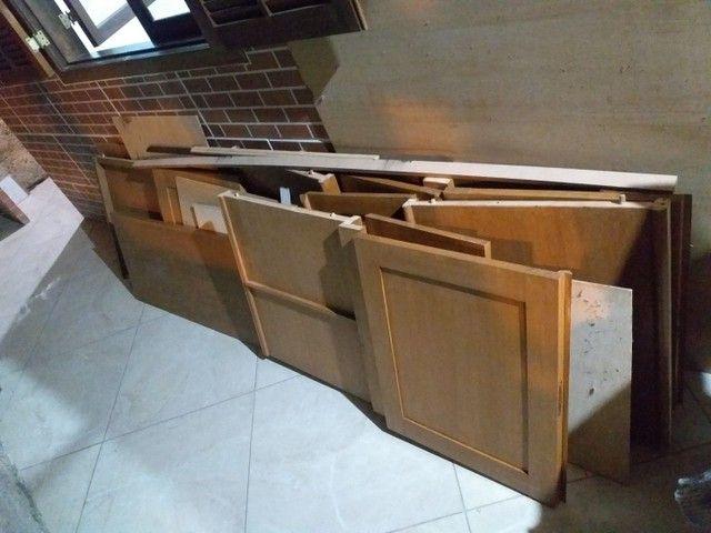 Armário de madeira maciça  - Foto 3