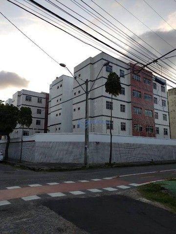 Apartamento com 3 dormitórios à venda, 75 m² por R$ 190.000 - Benfica - Fortaleza/CE - Foto 2