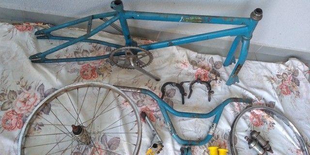 Bicicleta antiga bmx - Foto 2