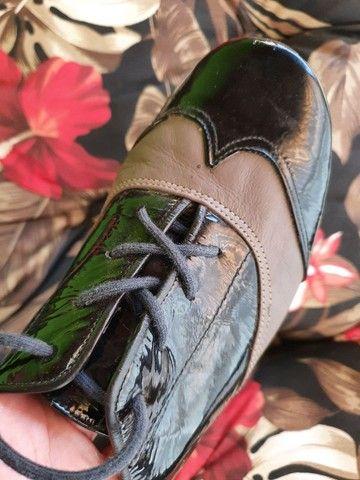 Sapato rasteiro de couro de verniz  - Foto 3