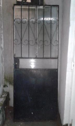 Portal de ferro e vidro