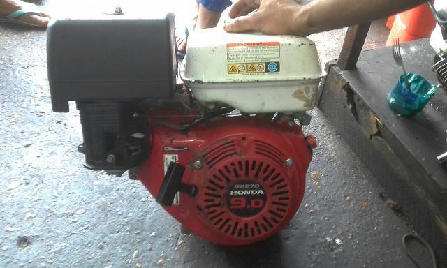 Vendo motor maritimo de centro 9.0 honda valor r$ 600,00