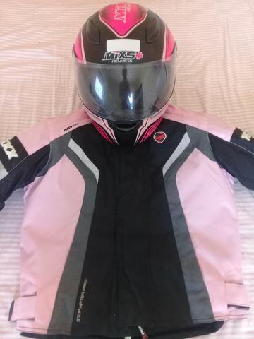 Jaqueta e capacete feminino
