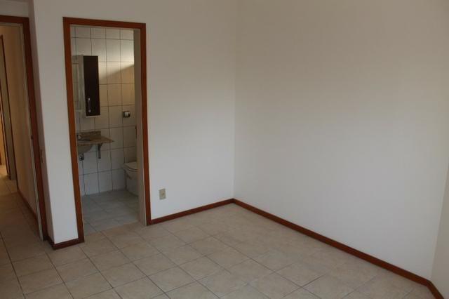 18317 - Apartamento com 3 dormitórios, sendo 1 suíte - 95 m²Centro - Foto 12