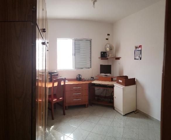 Casa Térrea em ótima localização no centro - Foto 7