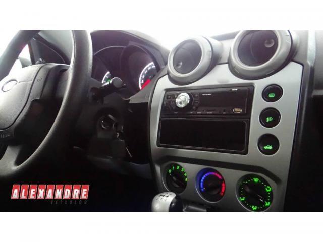 Ford Fiesta Sedan Sedan 1.6 Flex - Foto 7