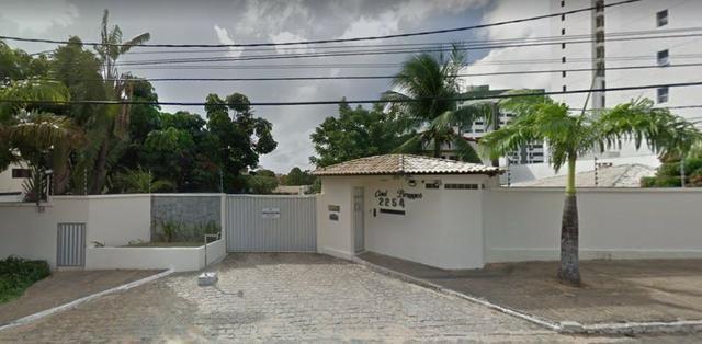 Excelente Casa de Cond. Fechado em Lagoa Nova de 4 suítes de 450m² e 4 Vagas de Garagem