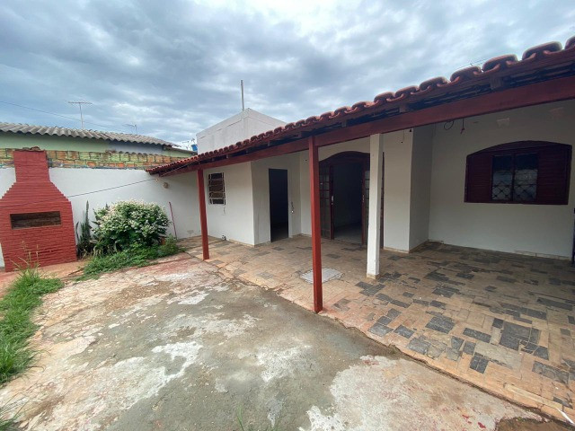 Casa 3 quartos, lote de 300 metros, Jardim morada nobre a 100 m da BR no Valparaíso