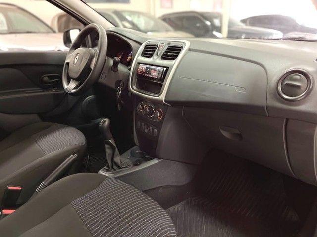 Renault Logan Authentique 1.0 12V  (Flex) - 2019 - Foto 14