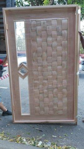 Porta de Madeira Com visor lateral  - Foto 6