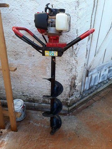 Máquina de perfurar  solos com alongadores.