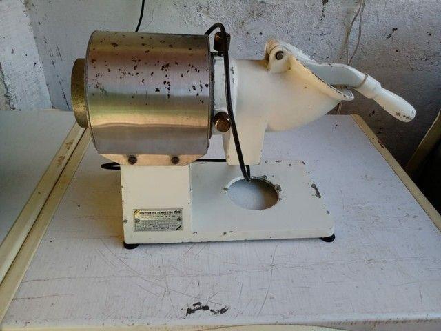 Máquina de ralar queijos e batatinha - Foto 5
