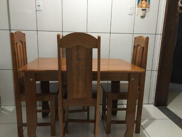 Mesa com 4 cadeiras em angelim pedra - Foto 2