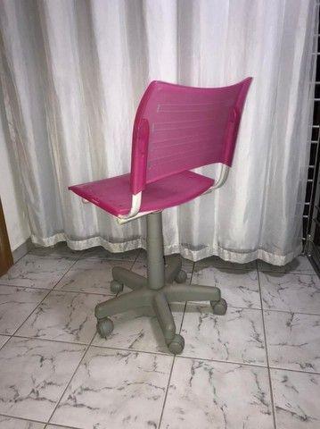 Cadeira com rodinhas - ROSA - Foto 3