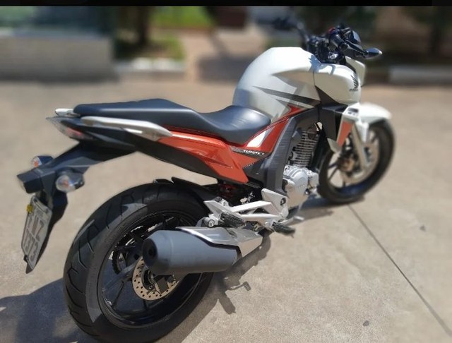 Honda CB Twister 250cc - Foto 6