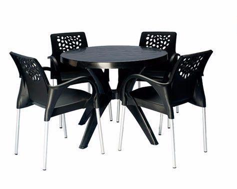 Cadeiras NOVAS com pes de aluminio e Mesas de Plastico