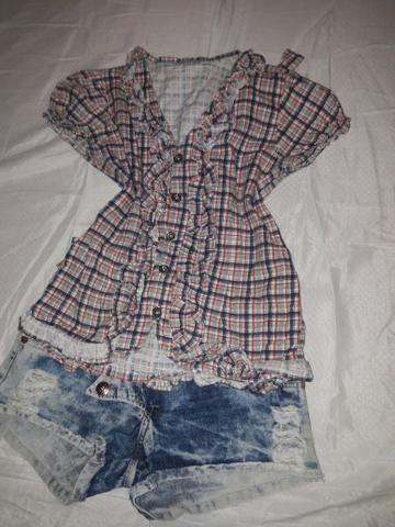 Blusa xadrez + shorte jeans