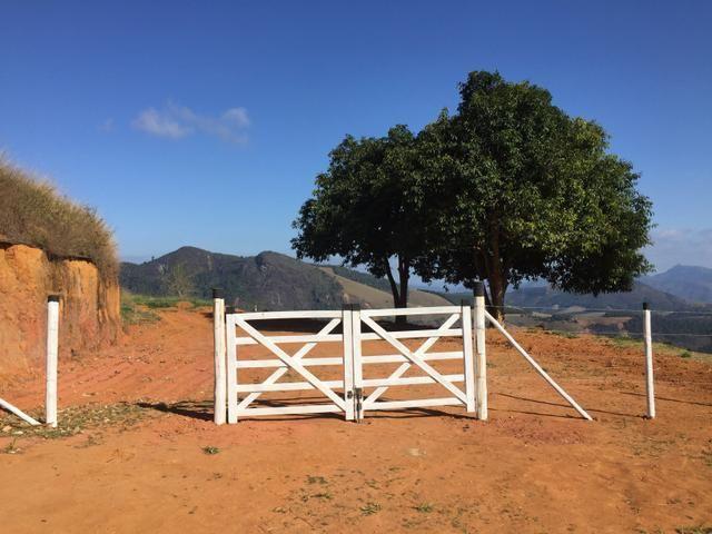 Sítio espetacular em Santa Teresa, caravaggio vista eterna para o vale