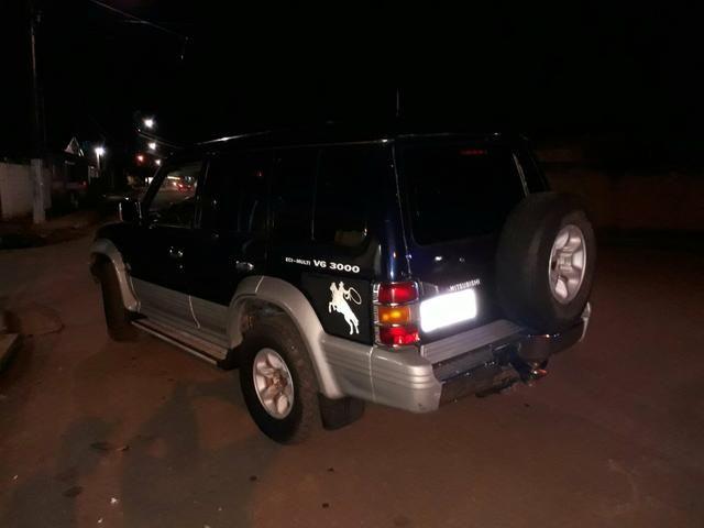 Vendo PAJERO 94/94 em dias Motor V 3000 992795708 zap