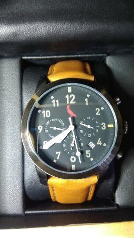 20f2f5a6bed Relógio reserva com pulseira de couro - Bijouterias