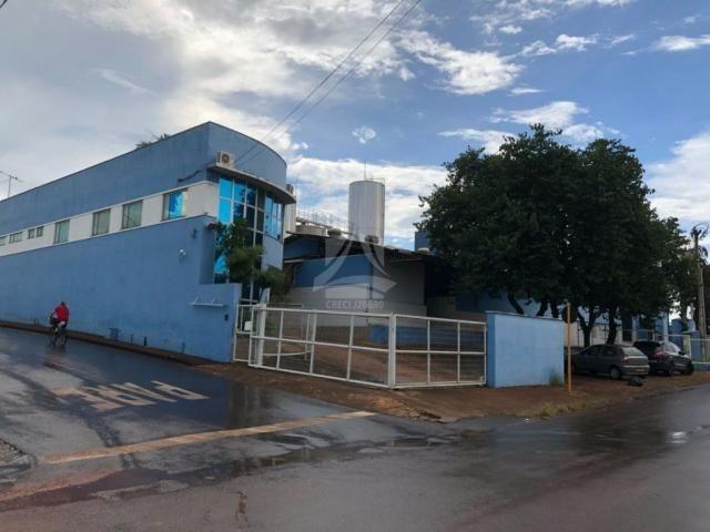 Prédio inteiro à venda com 0 dormitórios em Centro, Monte carmelo cod:54617 - Foto 2