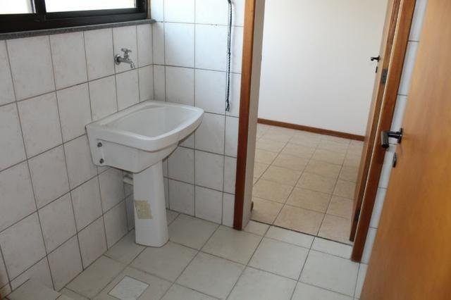 18317 - Apartamento com 3 dormitórios, sendo 1 suíte - 95 m²Centro - Foto 11