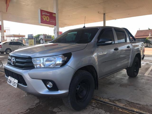 Toyota- Hilux CD 2.8 4x4 2017