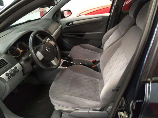 CHEVROLET VECTRA ELEGANCE 2.0 8v(FLEXPOWER) 4p  - Foto 8