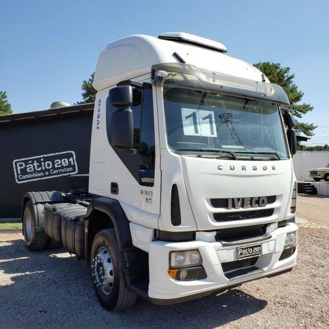 Caminhão Iveco Cursor 330 2011 4x2 (toco)