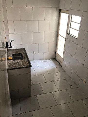 Boa Casa Linear de Vila, 2 qts, rua Manoel Reis, Praça do Exército, Nilópolis - Foto 7