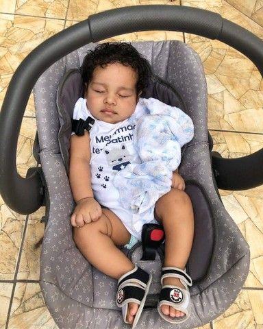 Vendo Carrinho de Bebê e Bebe Conforto Com Suporte Galzerano  - Foto 4