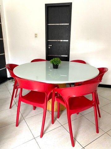 Mesa de jantar moderna com 6 cadeiras.  - Foto 2