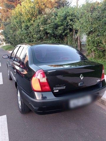 Clio Sedan 2004 - Foto 4